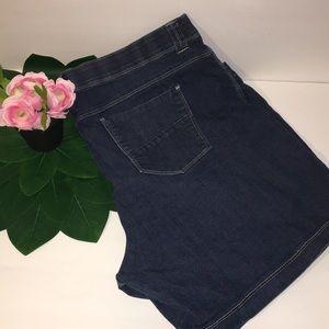 Lee Denim Shorts With comfort waistband Sz 24W